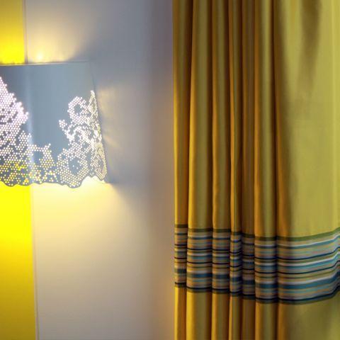 confection et pose de voilages stores rideaux sur mesure l 39 habillage des fen tres est. Black Bedroom Furniture Sets. Home Design Ideas
